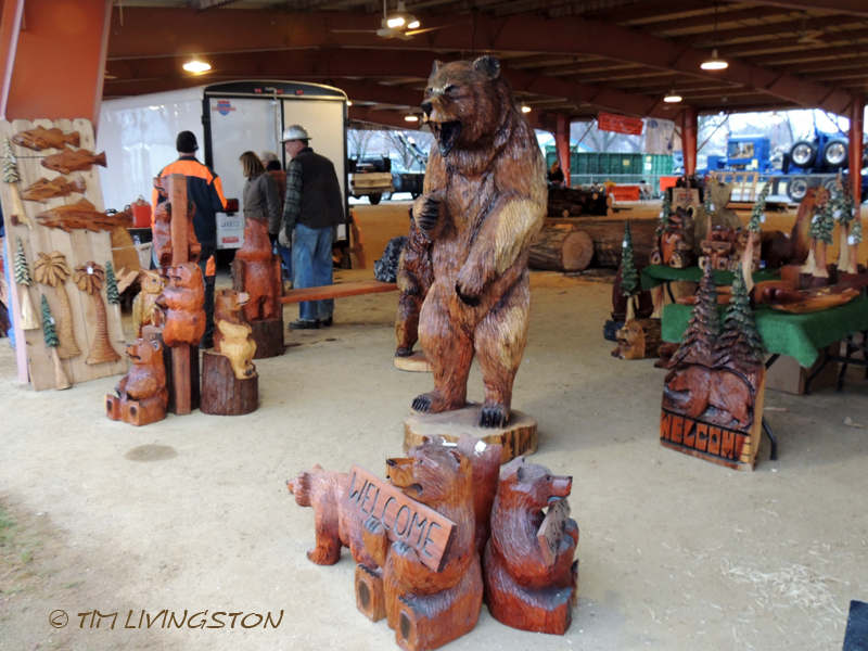 Chainsaw art, chainsaw carving